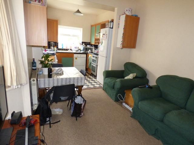 57694_603303_Living Room-Kitchen