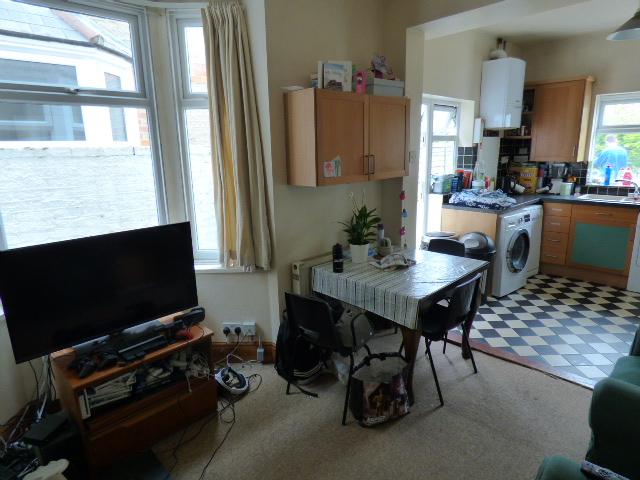57694_603304_Living Room-Kitchen