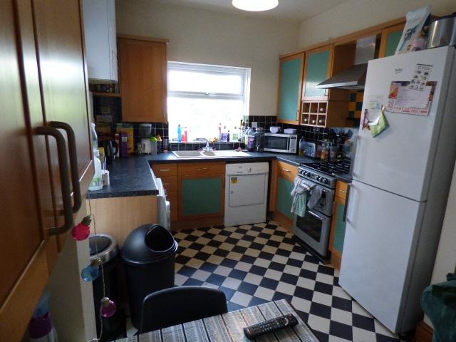 57694_603371_Kitchen